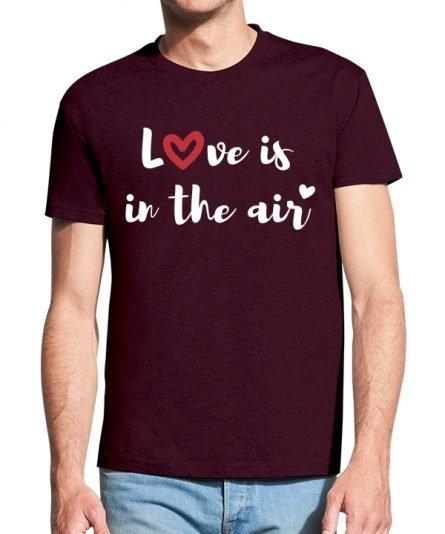 """Vyriški marškinėliai """"Meilė tvyro ore"""" , marškinėliai mylimajam, valentino marskineliai jam, marskineliai su spauda, valentino dienos marskineliai, maikute, marskineliai su uzrasu"""